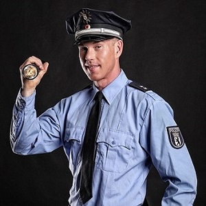 Stripper Berlin Polizei buchen