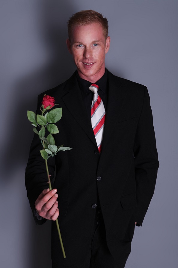 Stripper Vince als Blumenbote buchen.