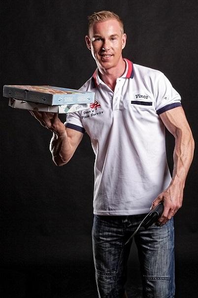 Stripper Vince als Pizzabote buchen.